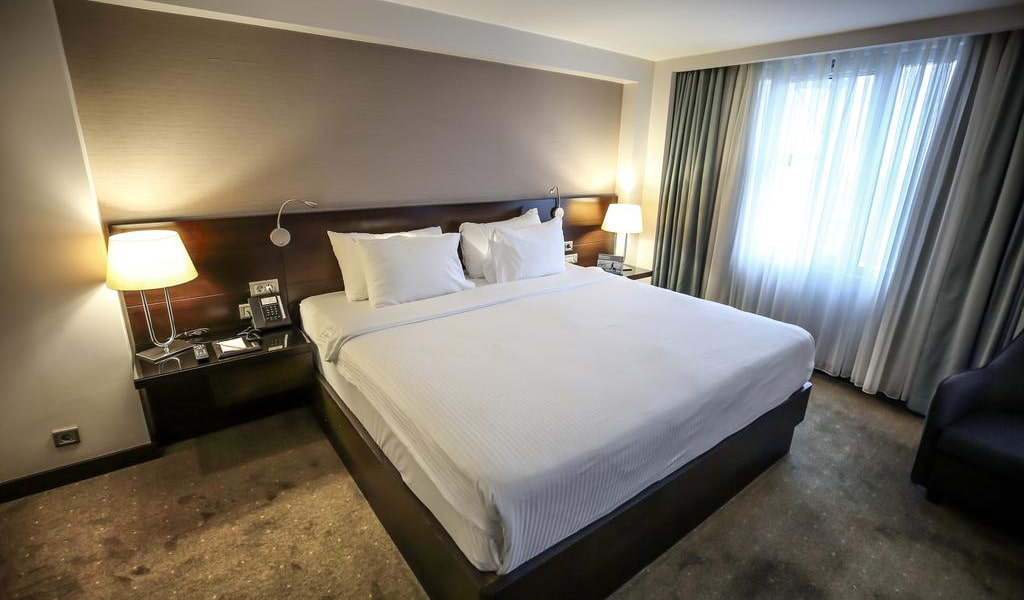French Grand Deluxe Room 2-min