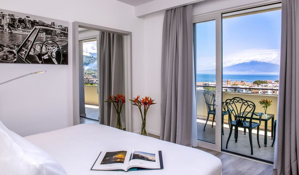 Junior Suite with Sea View 1-min