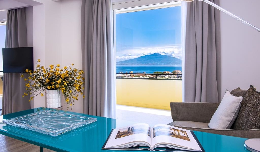 Junior Suite with Sea View 2-min