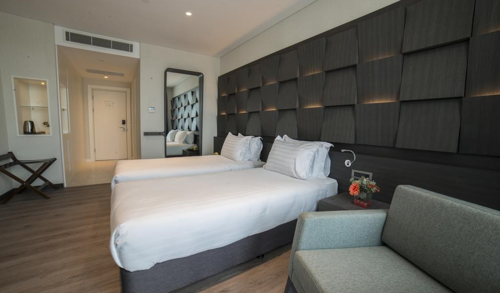 Junior Suite with Twin Bed-min