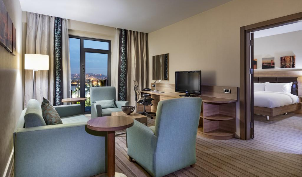 King Suite with Sea View 3-min