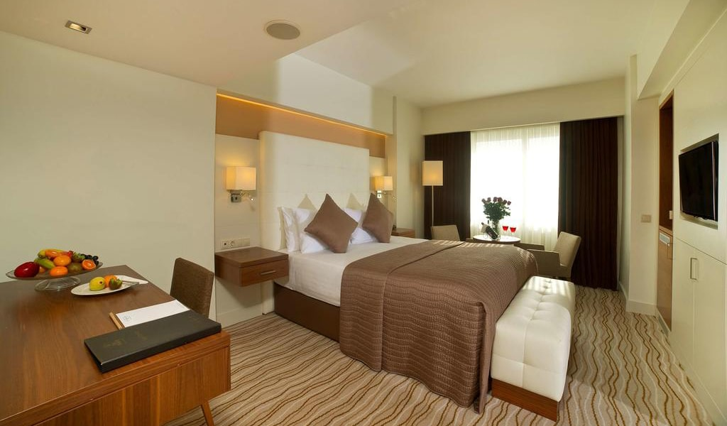 King Suite with Sea View 5-min