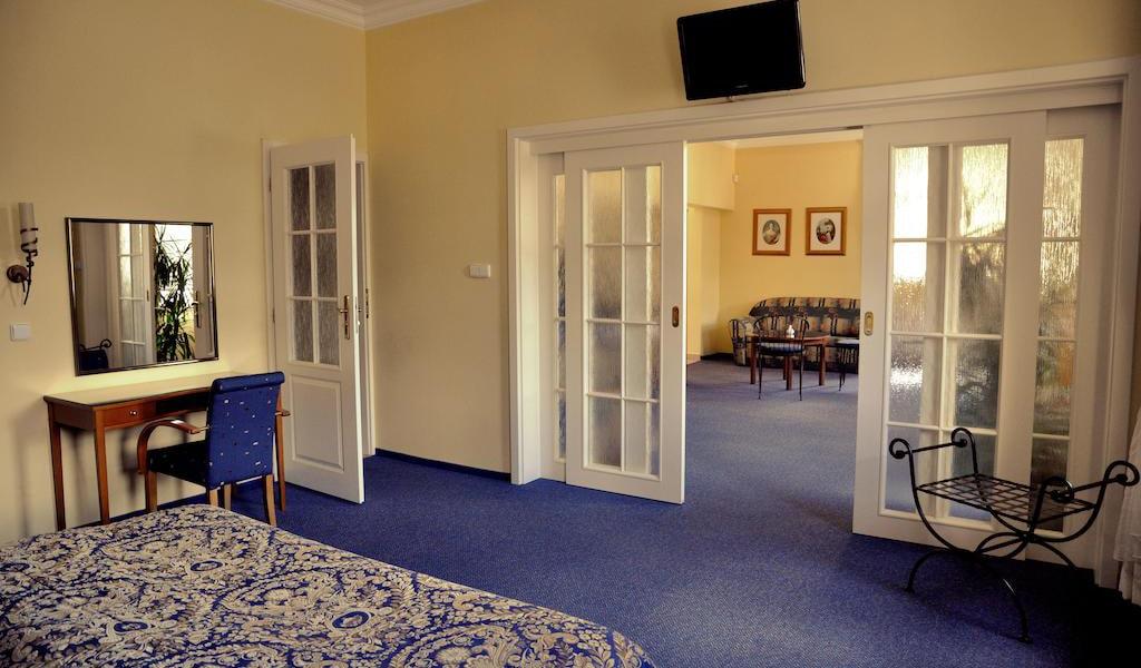 Large Apartment 3-min