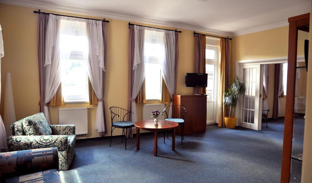 Large Apartment 9-min