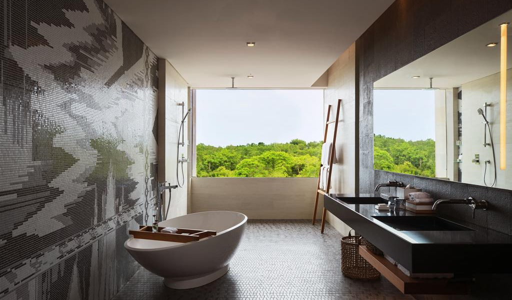 One-Bedroom Executive Suite with View 3-min