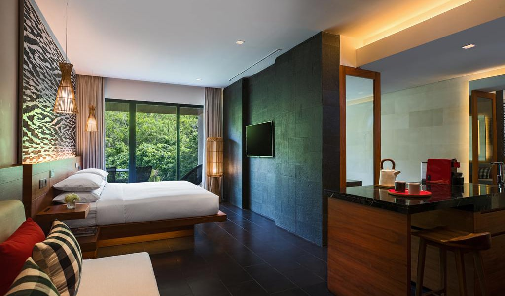 One-Bedroom Junior Suite with Balcony 2-min