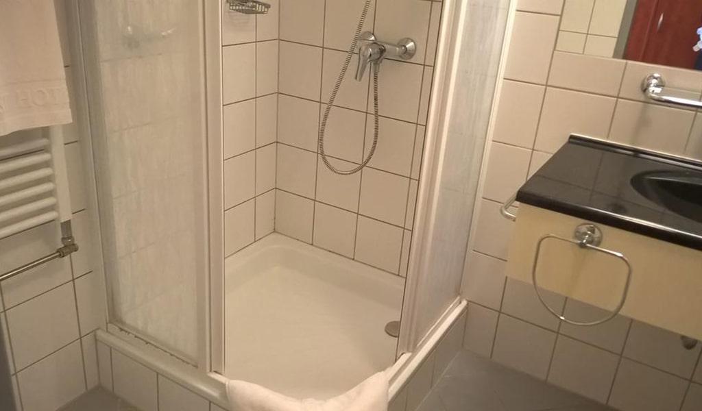 One-Bedroom Suite 4-min