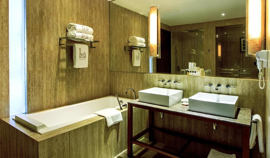 One-Bedroom Suite 6