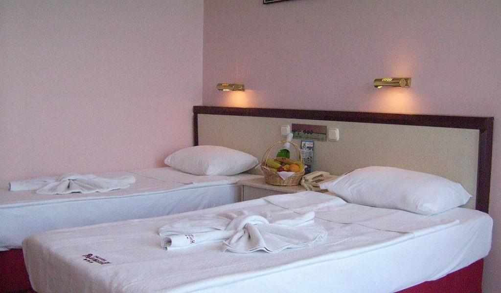 Palm Beach Hotel4-min