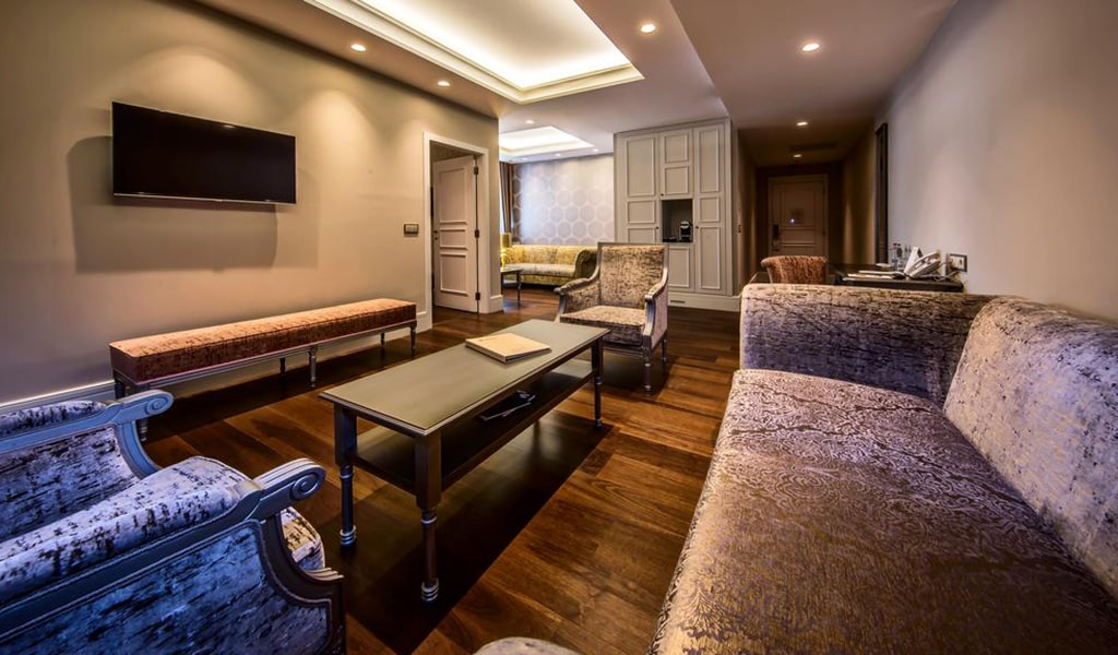 Prestige Suite-min