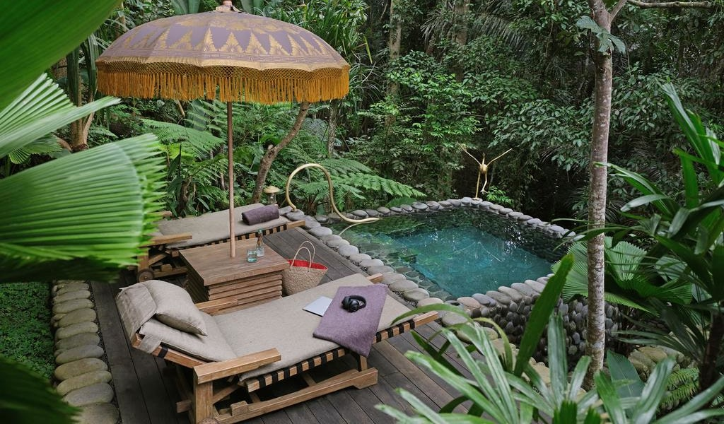 Rainforest Tent - King Room with Free Benefit 1-min