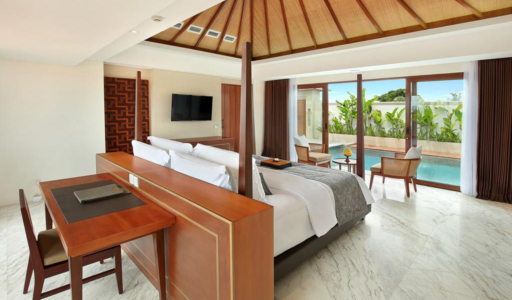 Royal Suite Private Villa with Pool 3-min