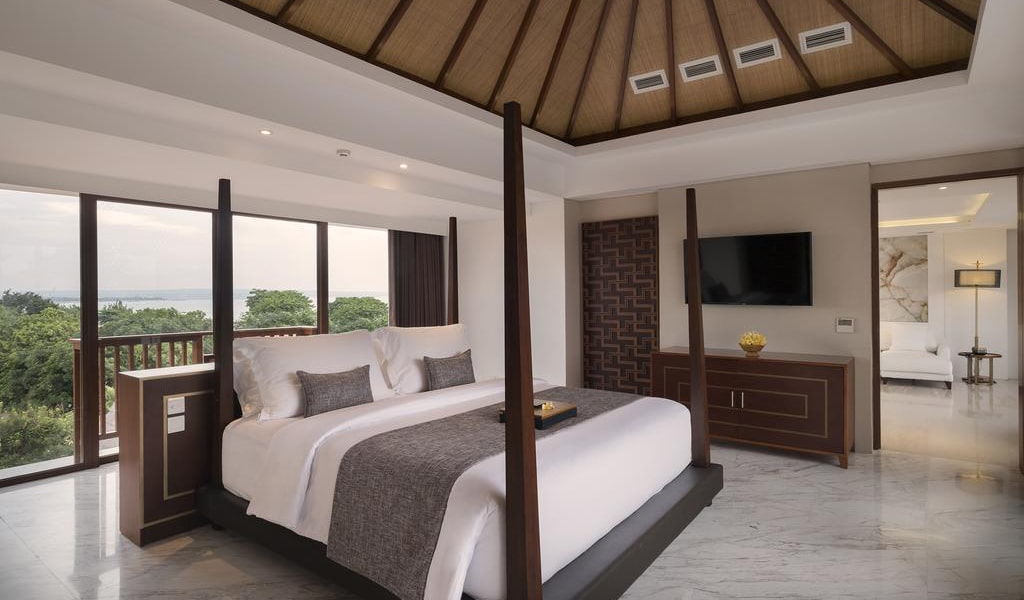 Royal Suite Private Villa with Pool-min