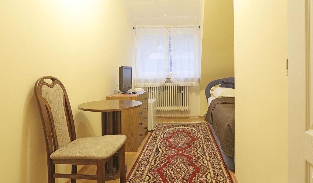 Single Room 2-min