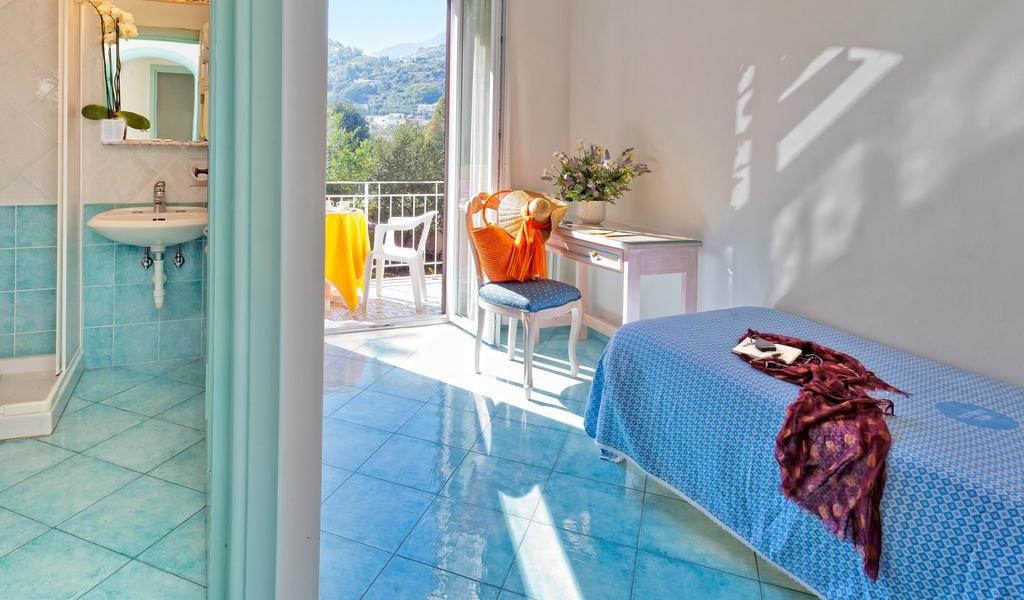 Single Room with Balcony 1-min