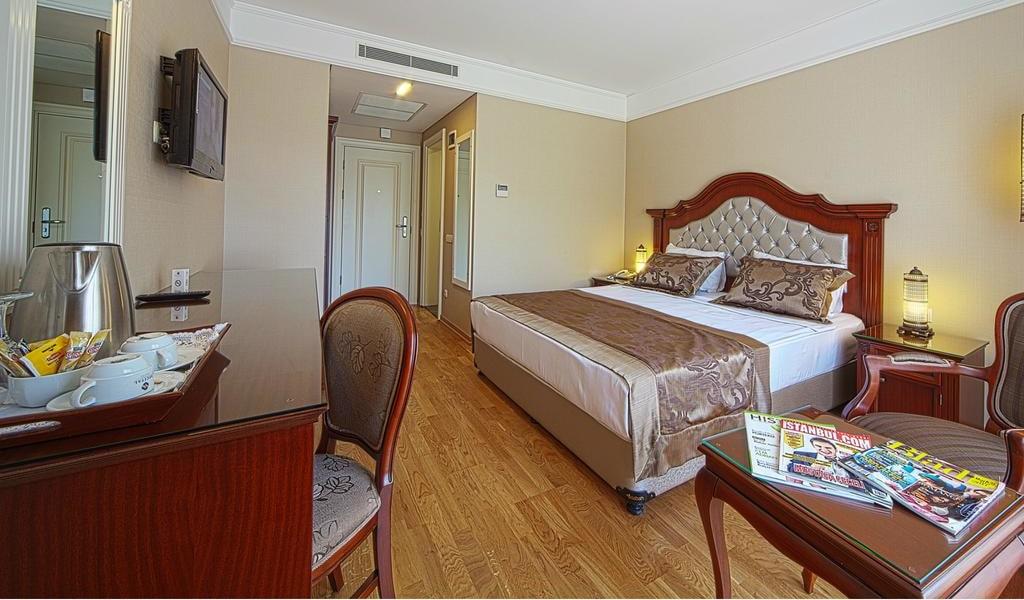 Standard Double Room 1-min