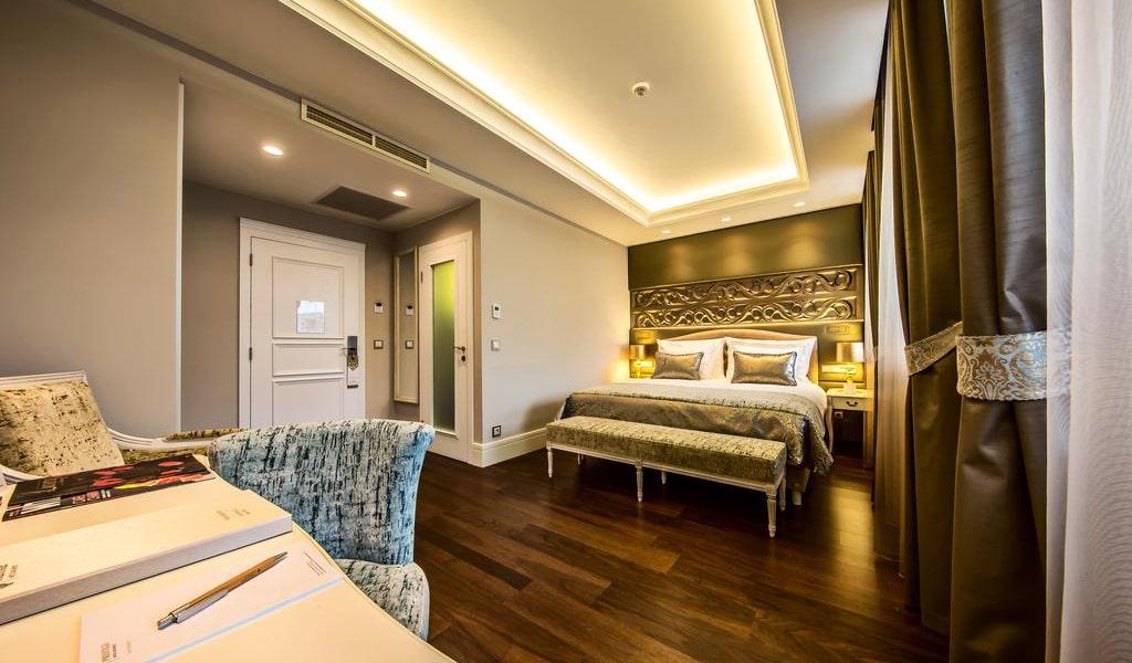 Standard Double Room-min