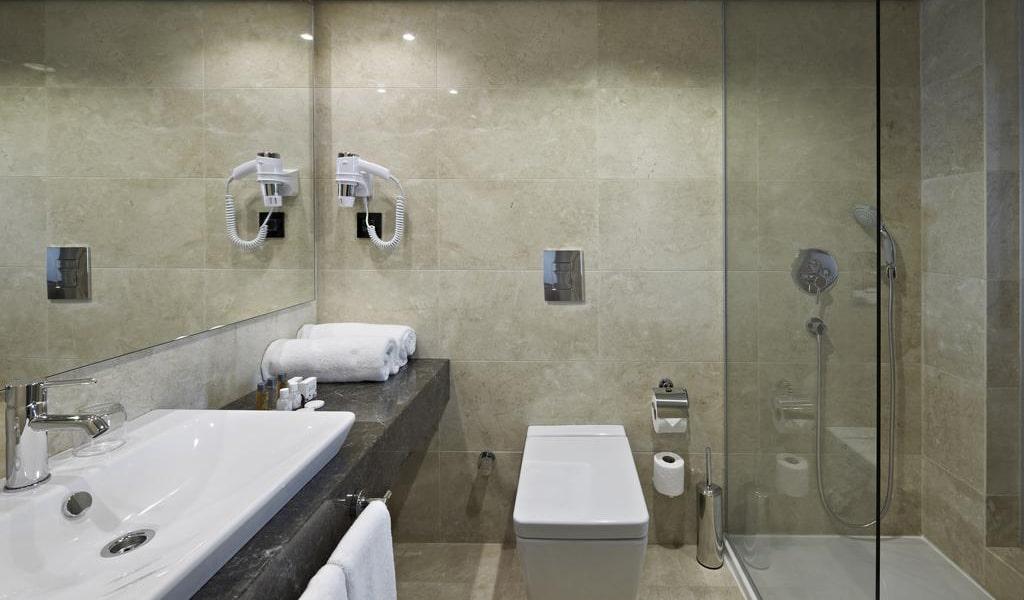 Standard Single Room 4-min