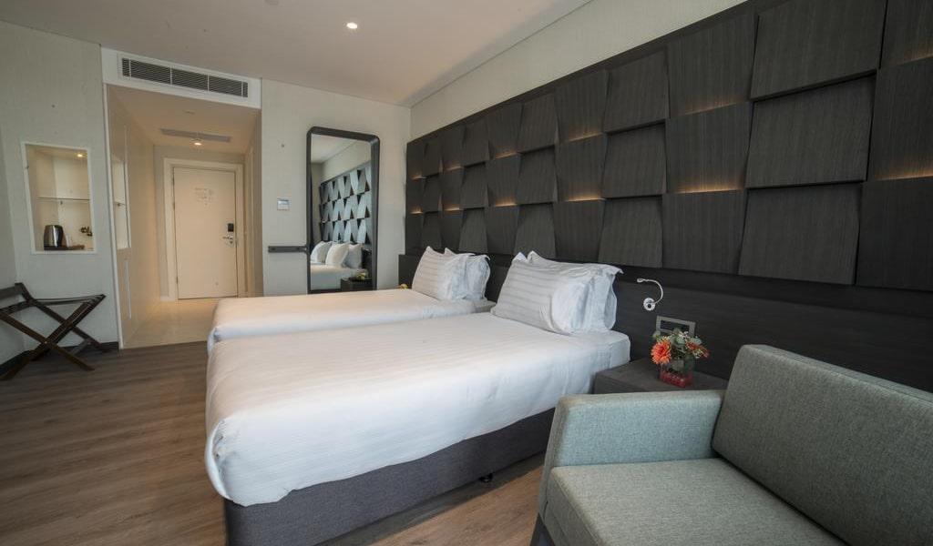 Standard Twin Room-min