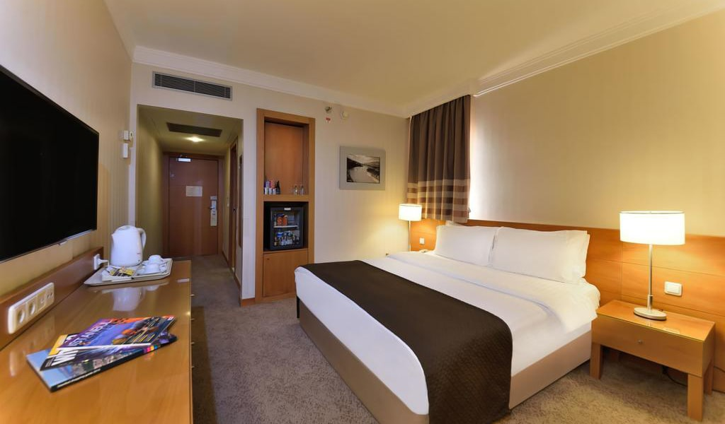 Superior Double Room with Bosphorus View-min