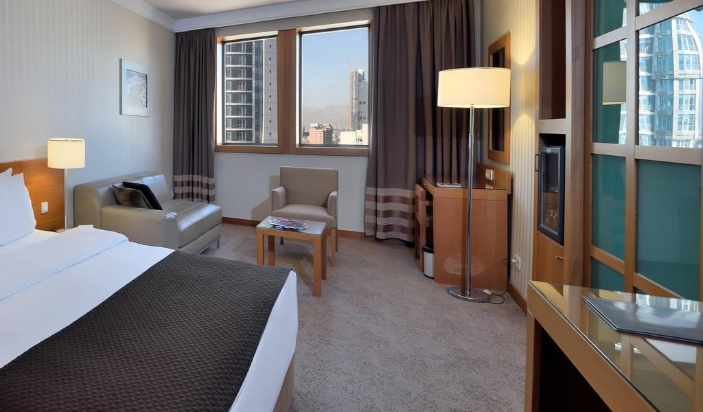 Superior Double Room with City View-min