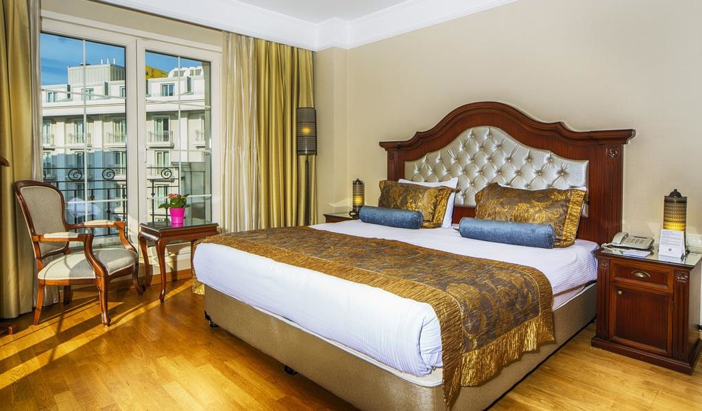 Superior Double Room with Sea View 1-min
