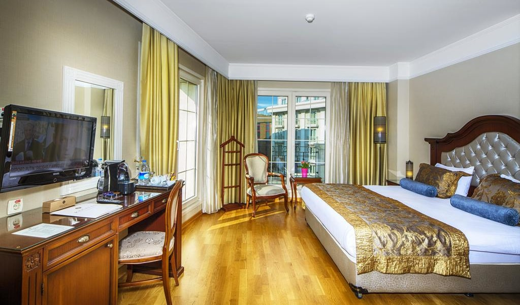 Superior Double Room with Sea View 2-min
