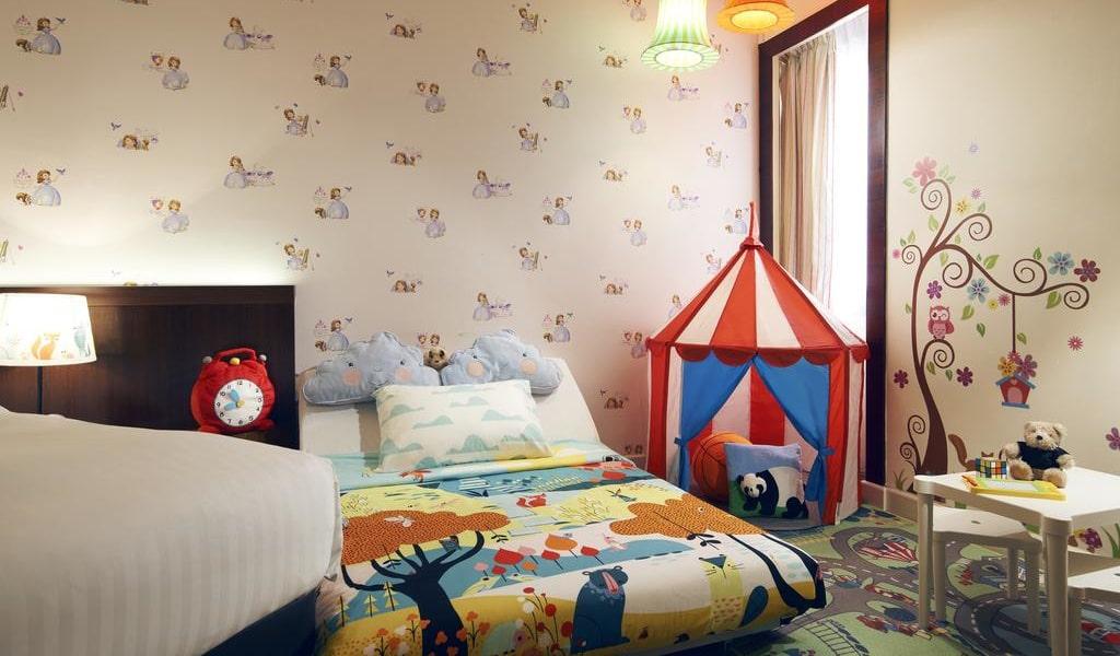 Superior Family Room 2-min