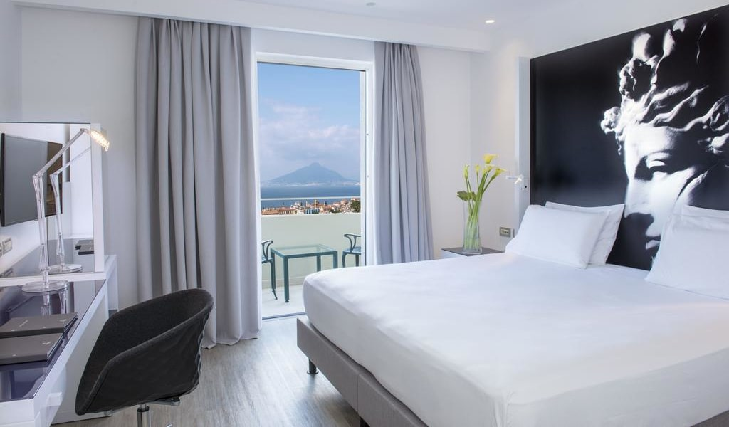 Superior King Room with Sea View 1-min