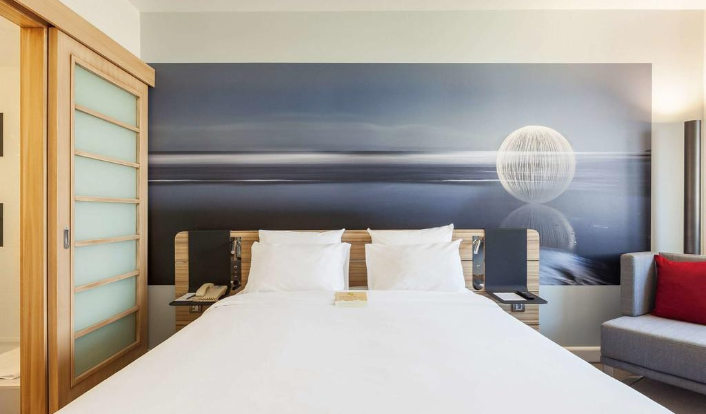 Superior Room with Queen Size Bed 2-min