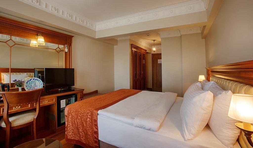 Superior Single Room 2-min