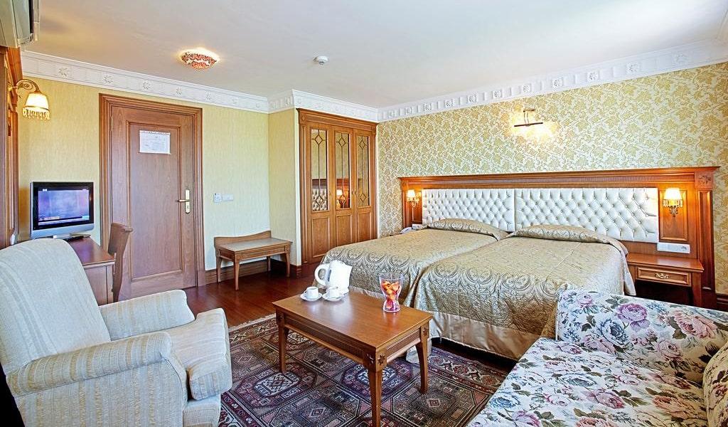 Superior Triple Room 2-min