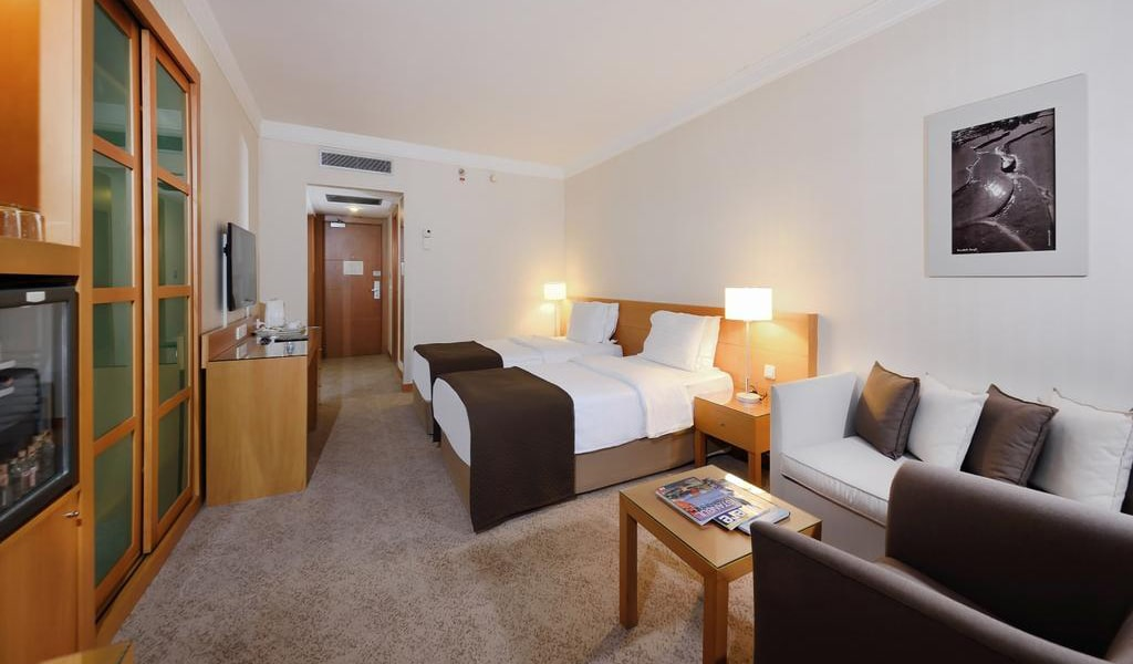 Superior Twin Room with Bosphorus View 2-min