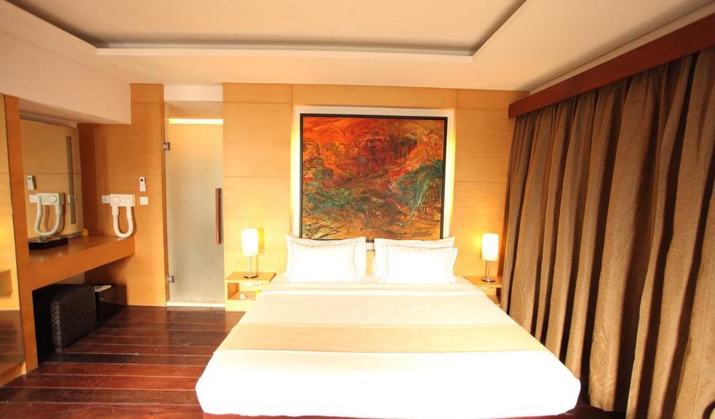 Three-Bedroom Villa-min