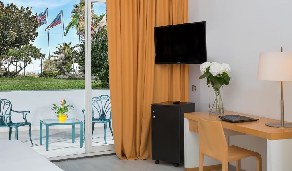 Triple Family Room with Garden View 2-min