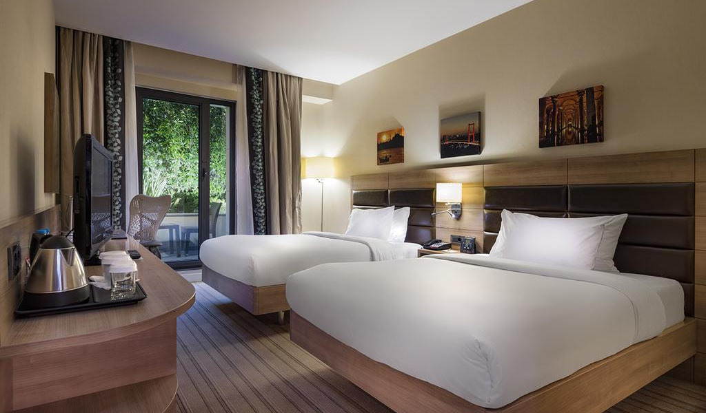 Twin Room with Sea View Terrace 3-min
