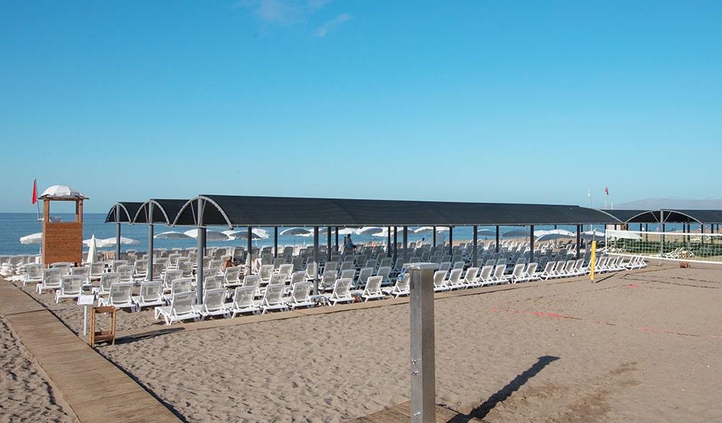 beach2-min
