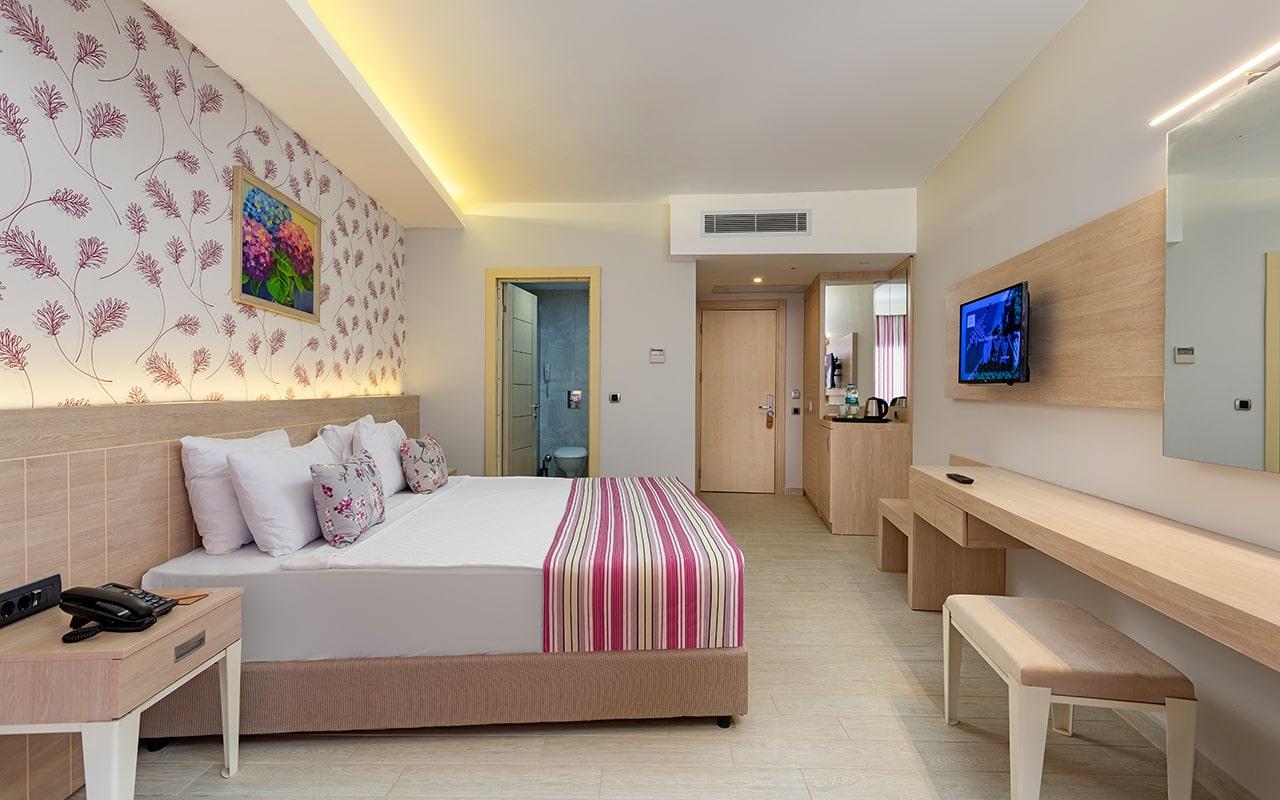 Club-room-2-min