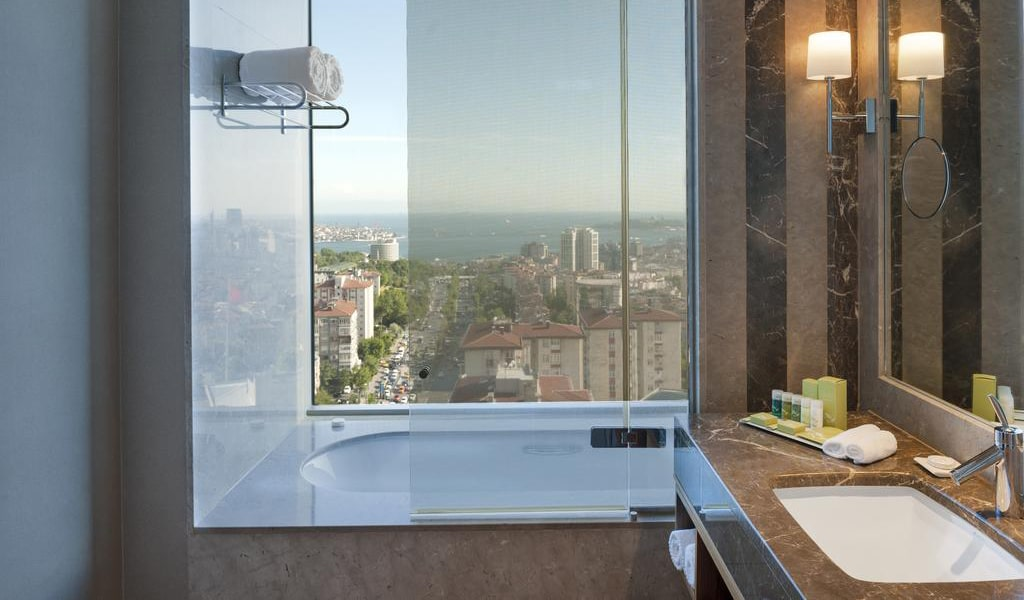 Corner Suite Bosphorus View With Lounge Access 3-min
