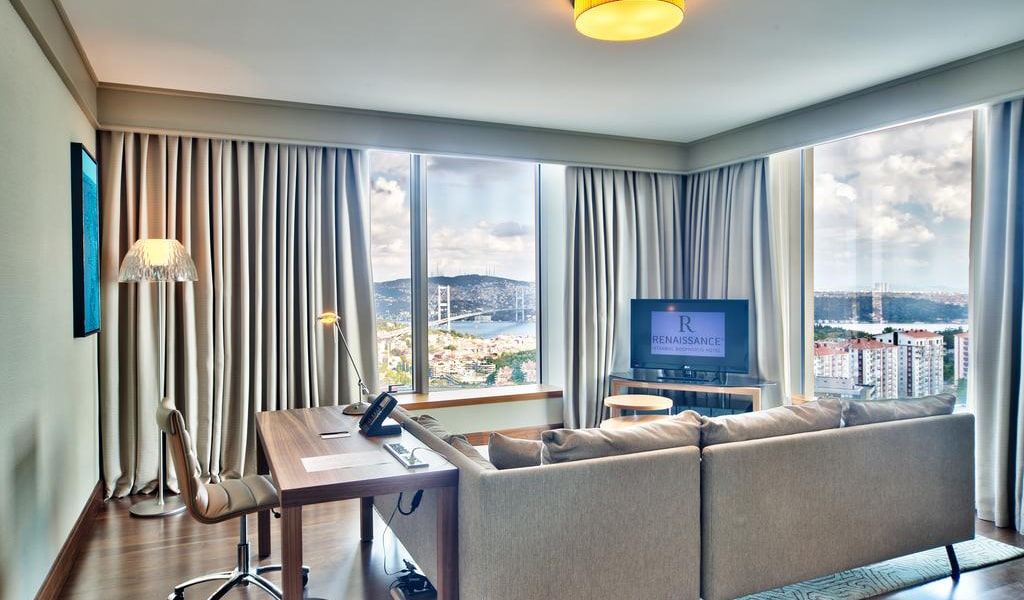 Corner Suite Bosphorus View With Lounge Access 5-min