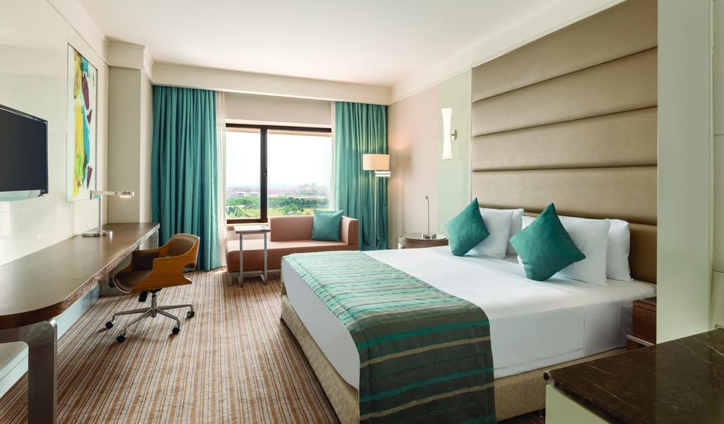 Deluxe Double Room with Balcony 1-min