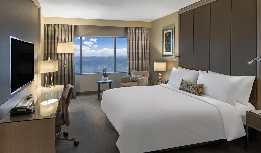 Deluxe, Guest room, 1 Queen, Ocean View 2-min