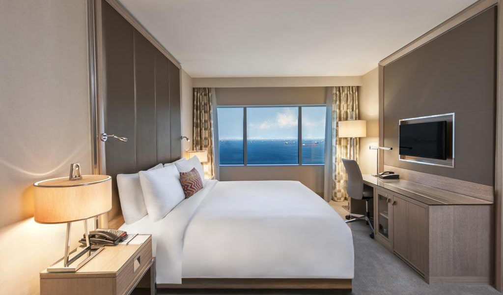 Executive, Club lounge access, Guest room, 1 King, Sea view 2-min