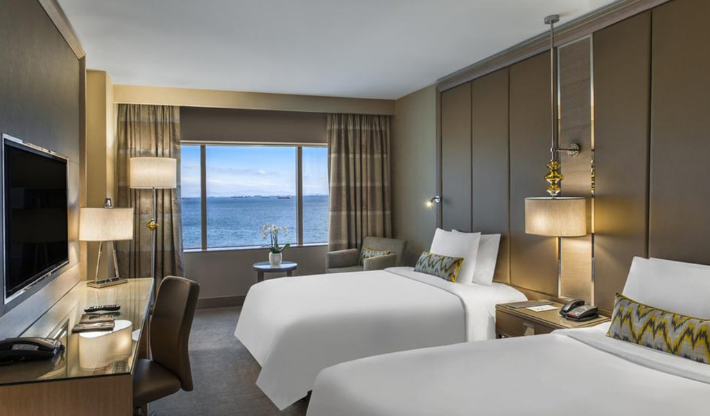 Executive, Club lounge access, Guest room, 1 King, Sea view 3-min