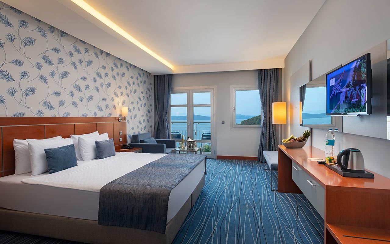 Hotel-Room-4-min