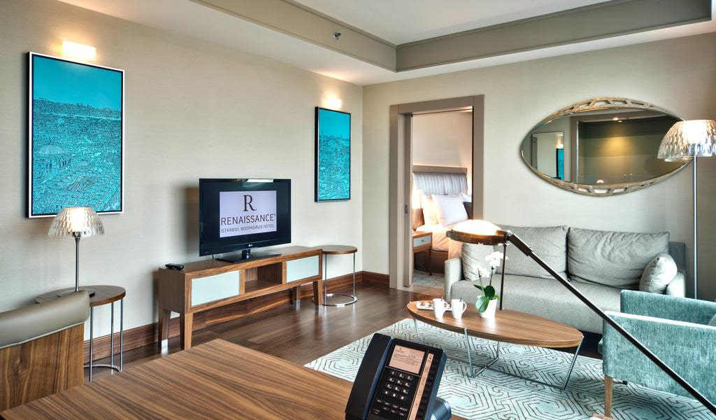 Junior Suite Bosphorus View With Lounge Access 3-min