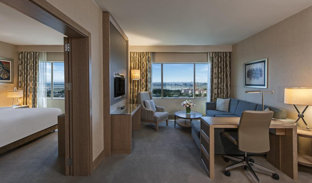 Marmara Suite with Sea View and Lounge Access 2-min