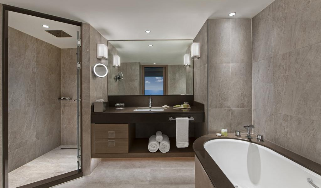 Ocean Suite with Sea View and Lounge Access 4-min