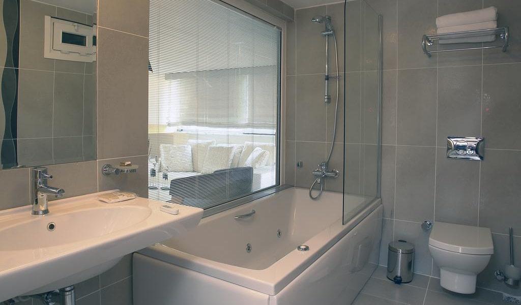 Suite with Spa Bath & Sea View 5-min