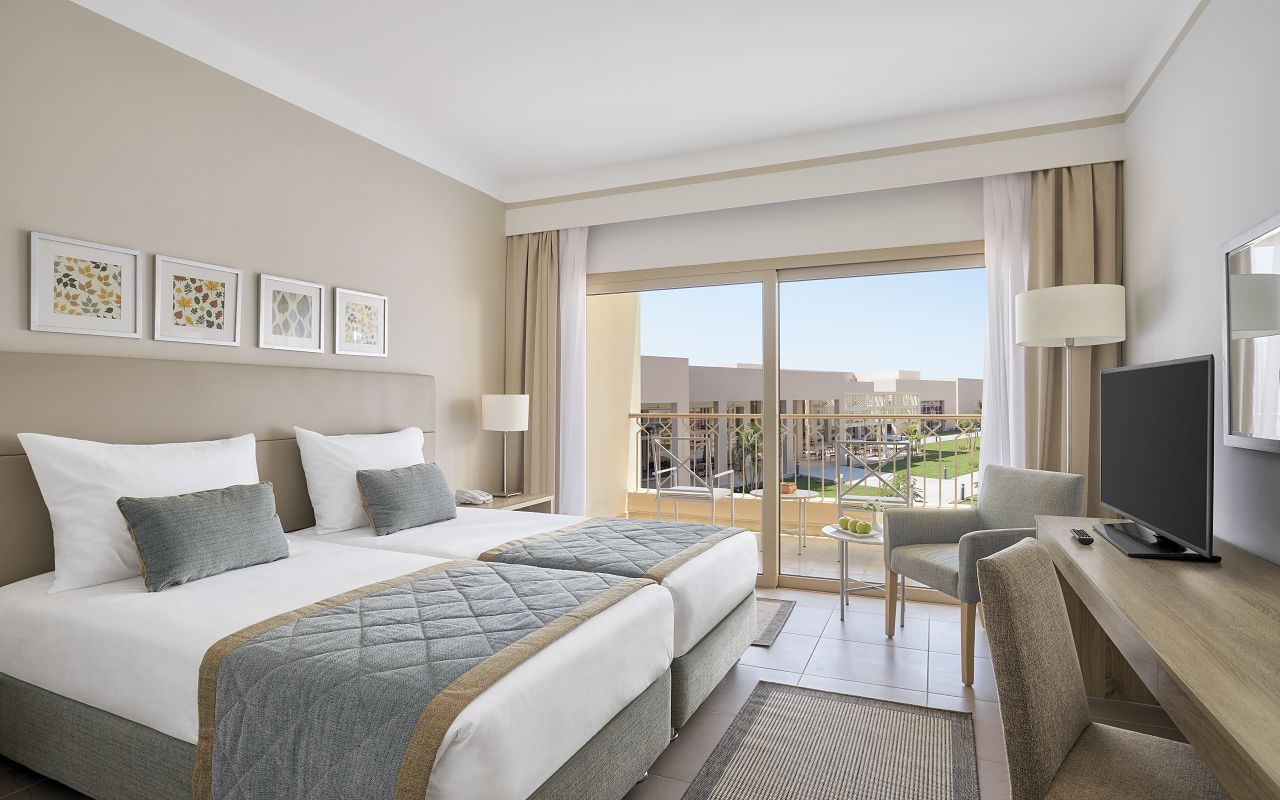 Superior Twin Bed Room_Garden View
